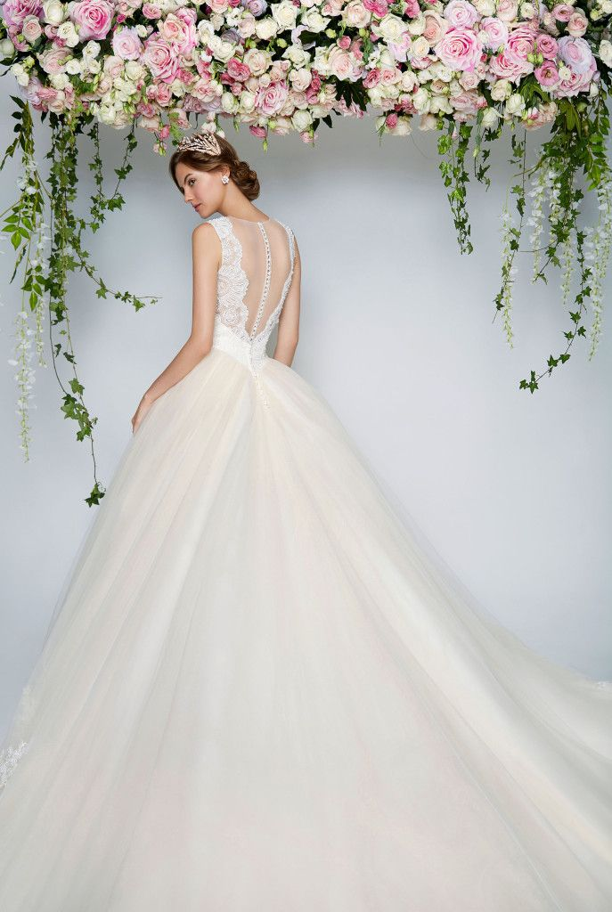 Coloured (but subtle) Wedding Dresses You Will Fall In Love With!