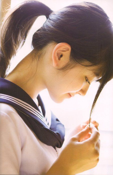Airi Suzuki 鈴木愛理 >> pinterest.com/yurina3c/airi-suzuki-c-ute/ photo, woman, reference, pose