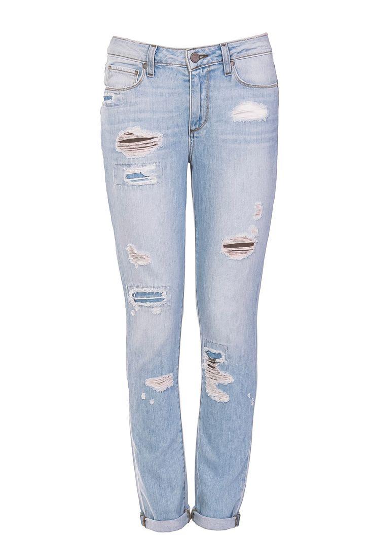 Магазин Elyts предлагает купить джинсы PAIGE, (цвет: синий) по цене 18130 рублей. При покупке товара на сумму свыше 10 000 рублей – доставка бесплатна. Звоните +7 (800) 200-1691.