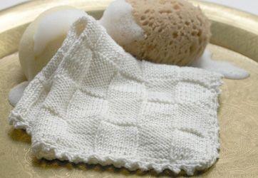 Du kan hurtigt strikke en stak lækre og meget sugende karklude, der går nemlig kun et nøgle garn til en karklud
