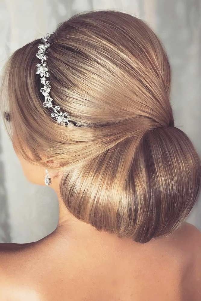 45 Chignon Hairstyles For A Fancy Look