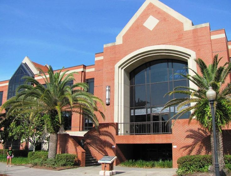 Criser Hall at the University of Florida http://www.payscale.com/research/US/School=University_of_Florida_(UF)/Salary