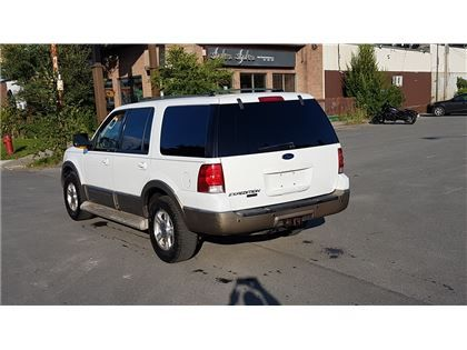 """Sport Utility - 2004 Ford Expedition Eddie Bauer in Montreal, QC  $3,990"""
