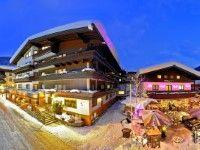 Hotel Eva Village in Saalbach - Hinterglemm günstig buchenDas luxuriöse 4-Sterne-Hotel Eva Village liegt im Zentrum von Saalbach, knapp 100 m von der nächstgelegenen Bergbahn Kohlmais entfernt. Langläufer finden in Hinterglemm, nach ungefähr 5 km, den Einstieg in eine Loipe und Einkaufsmöglichkeiten befinden sich in unmittelbarer Umgebung.
