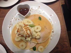 Banana pancakes at Pancake Cafe Mog in Osaka <3