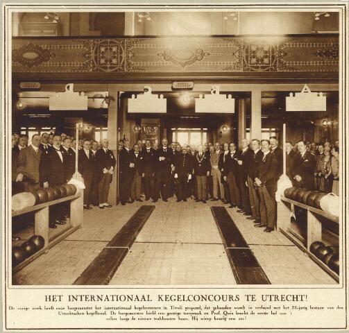 Afbeelding autoriteiten tijdens de opening van het Internationaal Kegeltoernooi in Gebouw Tivoli (Kruisstraat) te Utrecht, dat werd gehouden t.g.v. het 25-jarig jubileum van de Kegelclub Altijd Kans en het 20-jarig bestaan van de Utrechtse Kegelbond; onder de aanwezigen o.a. dr. J.P. Fockema Andreae (burgemeester), kolonel O. Bueno de Mesquita (commandant van het Regiment Genietroepen), D. Schuitemaker (hoofdcommissaris Politie) en de heer Wirtjes (secr.-penningm. Ned. Kegelbond) 28-05-1927