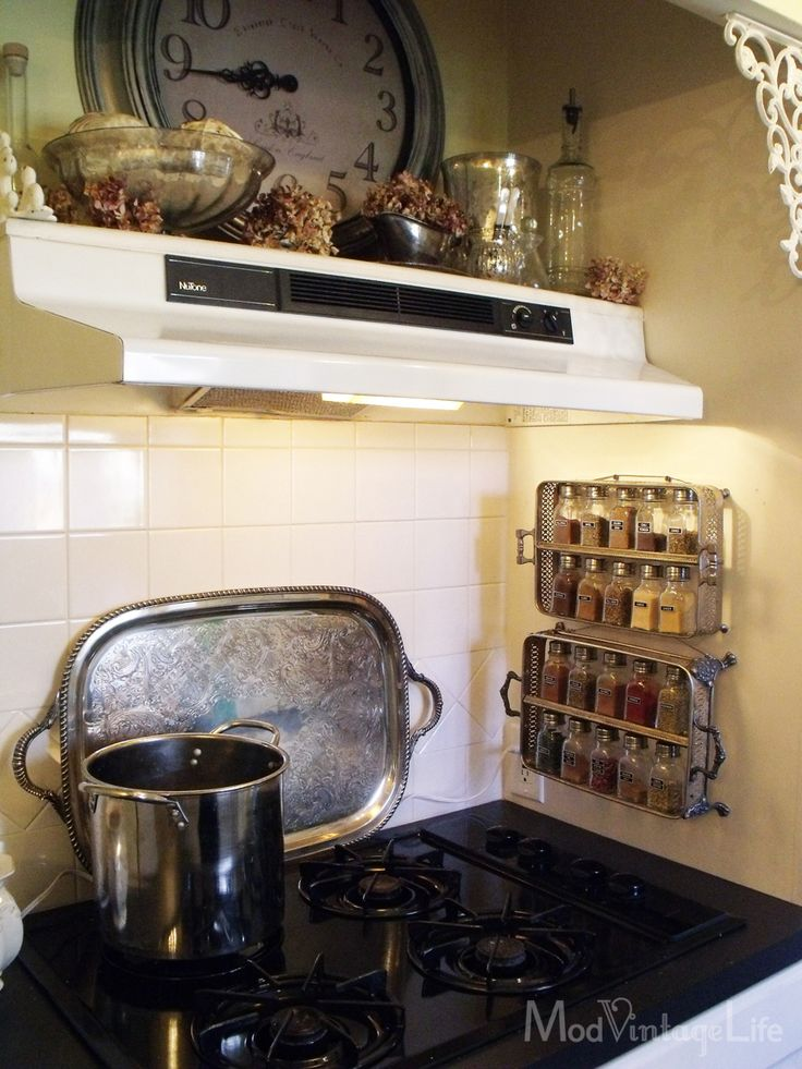 A Great Kitchen for Little Money at ModVintageLife.com