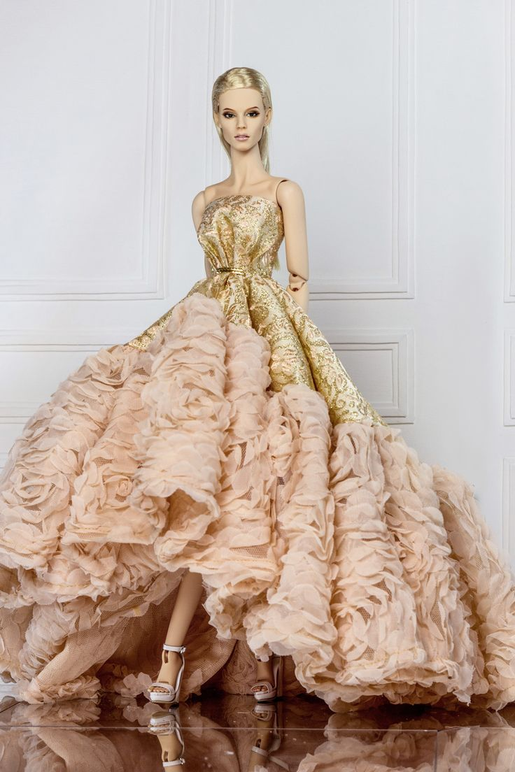 290 best Barbie Gowns images on Pinterest | Barbie gowns, Barbie and ...