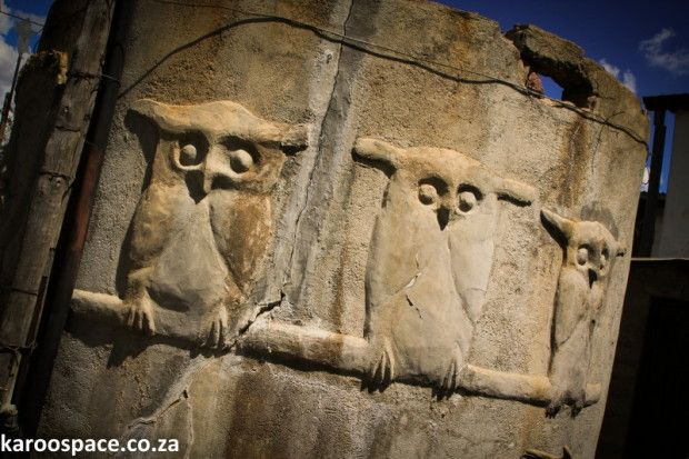 Cement Owls synonymous with Nieu Bethesda #Sight2SeeInTheKaroo