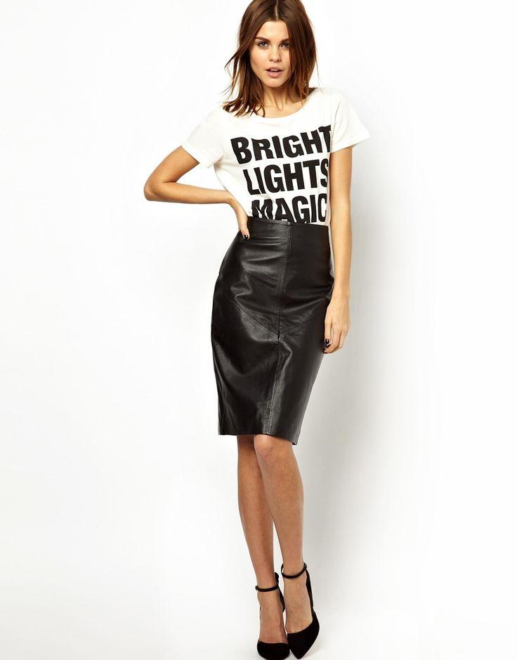 €225, Falda Lápiz de Cuero Negra de Y.a.s. De Asos. Detalles: https://lookastic.com/women/shop_items/90812/redirect