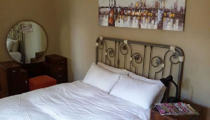 Memorial Manor - 44 Memorial Manor Guesthouse is a beautiful old Victorian house, located within walking from the CBD, University and shopping centres and Hospitals, affortdable and comfortable everything you can think ... #weekendgetaways #kimberley #diamondfields #southafrica