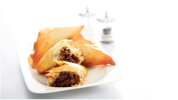 Aprende a cocinar estos pastelitos de masa filo http://dominical.cc/1owKZF4 ¡Deliciosos!