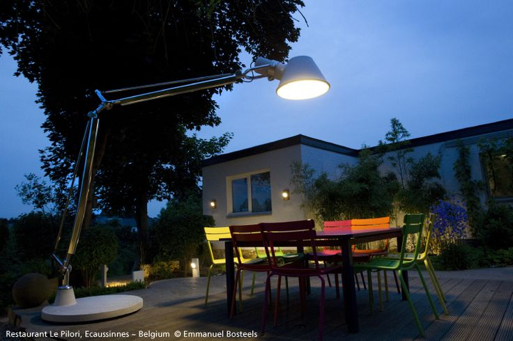 Barbecues late at night all through the summer ? #TolomeoXXL is the light you need ► http://bit.ly/TOLOMEOXXL #design Michele De Lucchi & Giancarlo Fassina