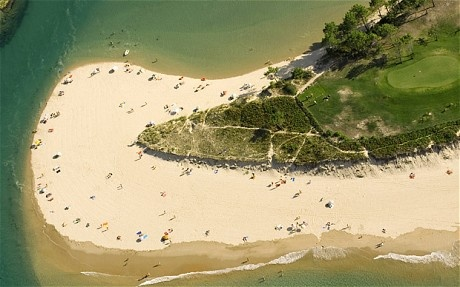 Cantabria: beach at Oyambre nature park