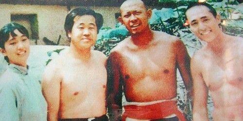 (L-R) Gong Li, Mo Yan, Jiang Wen and Zhang Yimou, while filming Red Sorghum (1987)