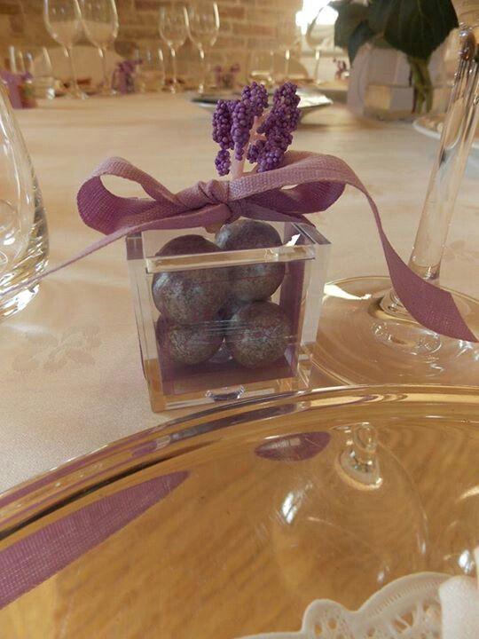 Cubi plexiglass e perle confetto!