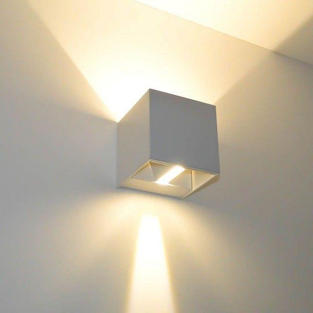 ► Pour intérieur ET extérieur. La collection des Cubic est un ensemble d'appliques murales très modernes à LED pour couloir, salon, jardin et plus encore...