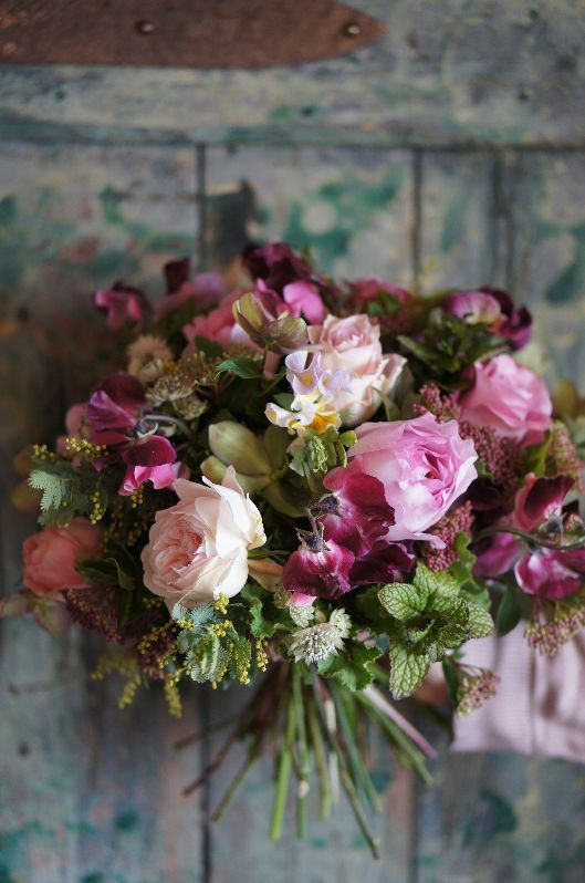 Naturalist bouquet. flowers, roses