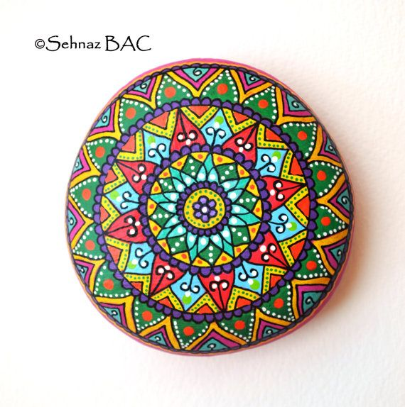 Hand Painted Stone Mandala by ISassiDellAdriatico on Etsy, €40.00