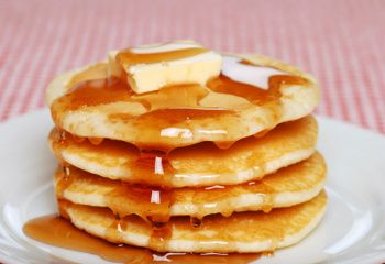 several recipes for pancakes without baking powder