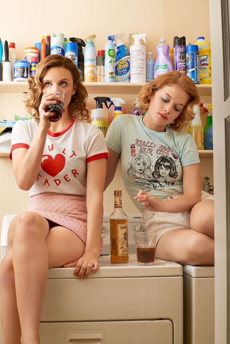 Sarah Ramos & Jane Levy