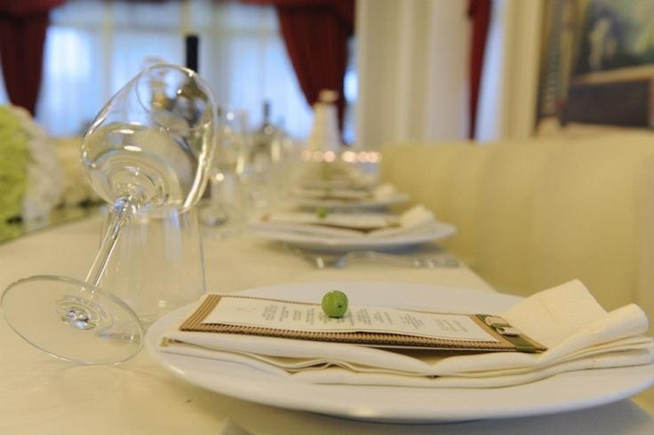 """""""Sulle tracce d'ulivo"""" -il tema-  Allestimenti di Buccella Associati Wedding Planner for Amatelier.  L'articolo sul blog.  http://www.amatelier.com/rubriche/amawedding/item/492-sulle-tracce-dulivo"""