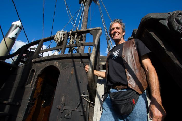 Former furniture builder Graeme Wiley started building a 15th-century Portugese caravel when he needed a different project. He and his wife Felicite have been living on it since 2011. (Photo: 612 ABC Brisbane/Jessica Hinchliffe)