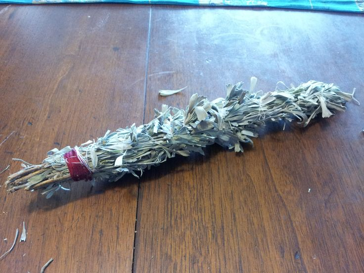 how to put out a smudge stick