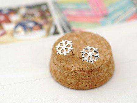 min order $ 7 Hot sale Stud Earrings Fashion Hot Special Jewelry bijoux Belief Merry Christmas Snowflake Earrings For Women