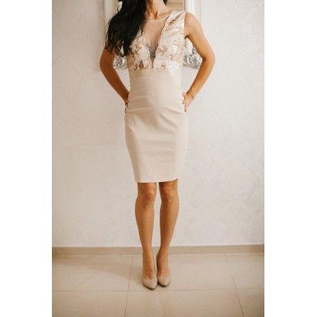 Beżowa ołówkowa sukienka midi z głębokim dekoltem z cekinami i siateczką