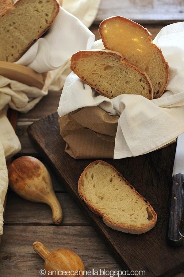 Pane di grano duro con lievito madre e autolisi