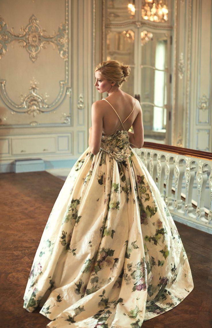 The 26 best Back Detail Wedding Dresses images on Pinterest | Short ...