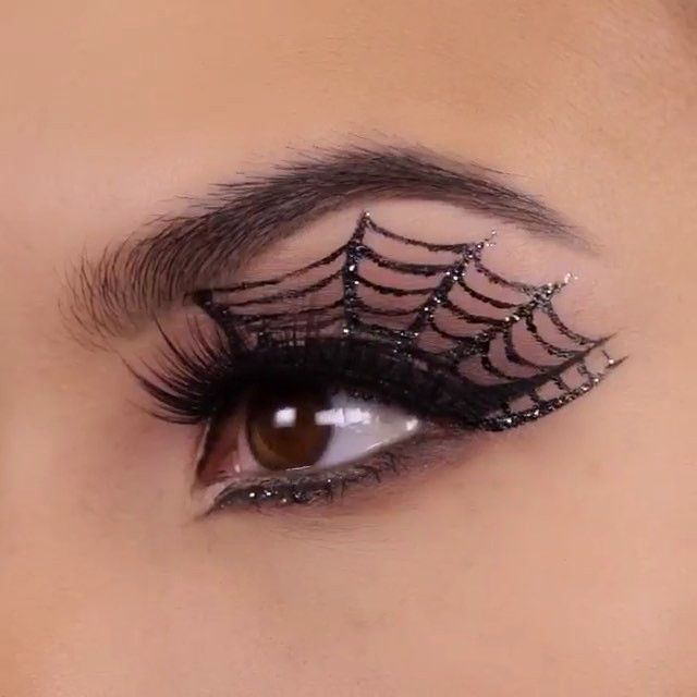 Spider web eye makeup!  cool Halloween  makeup idea! Credits @maryamnyc