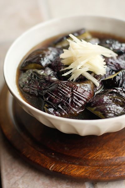 Stewed eggplants in Japanese stock 茄子の煮びたし