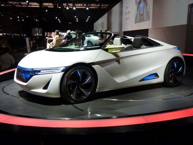 CEO of Honda Announces Coming of New Roadster and Civic Type-R