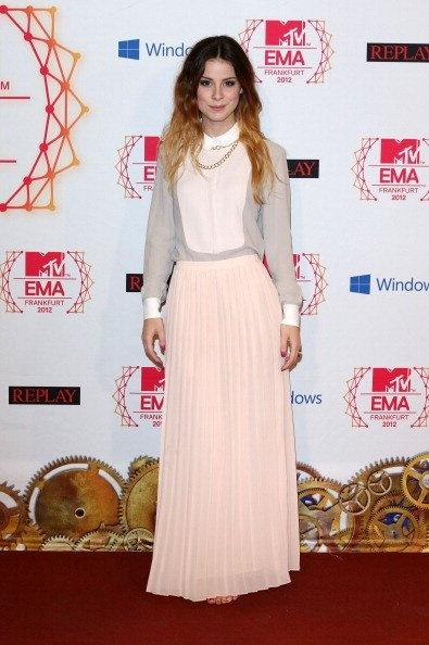 long sleeves & maxi skirt