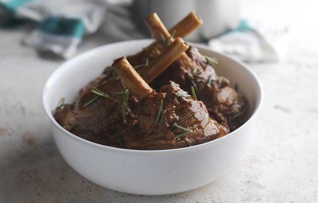 Lamb Shanks Recipe - Tomato & Rosemary
