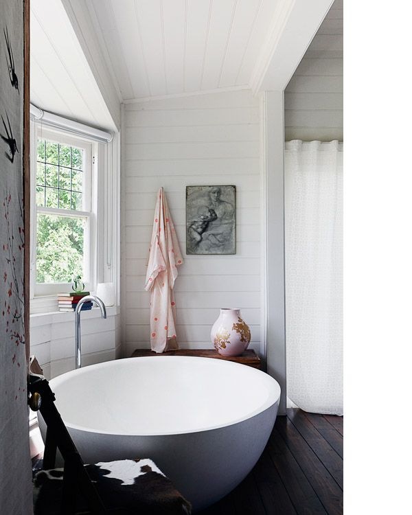 Bath / home of Vanessa Partridge, designed by Chelsea Hing