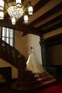 ウェディングドレス@旧前田邸洋館の大階段 - 洋館で前撮り〜洋装&和装の豪華フォトウェディング〜
