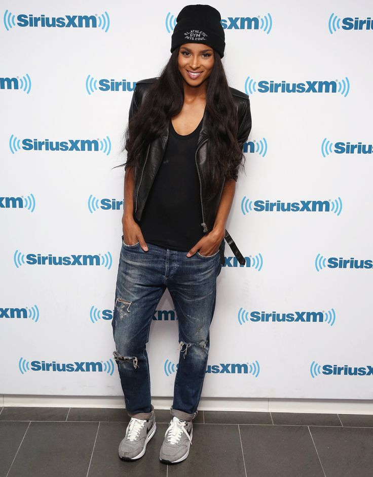 Ciara took the sporty route with her basic black beanie, boyfriend jeans, and gray sneakers.