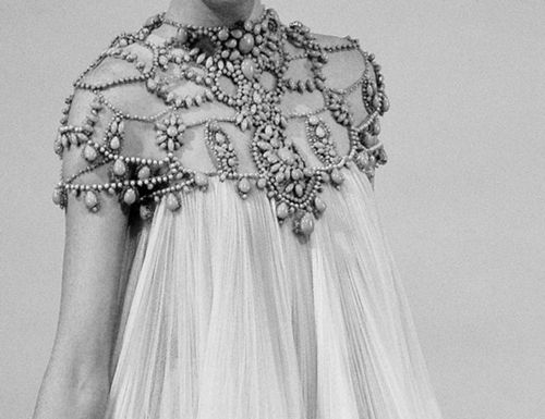 wowMarchesa Spring, Beaded Dresses, Hair Accessories, Night Circus, Hair Long, Details Details