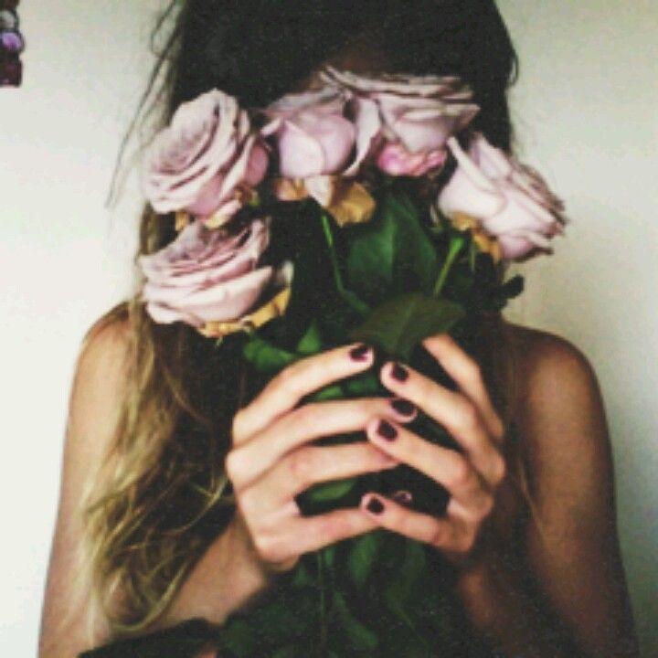Roses + Nails