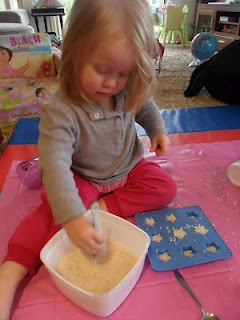 1000 images about montessori toddler activities on for Montessori fine motor skills