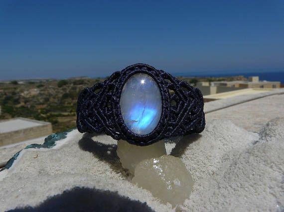 Guarda questo articolo nel mio negozio Etsy https://www.etsy.com/it/listing/531750000/gioielli-pietra-di-luna-pietra-di-giugno