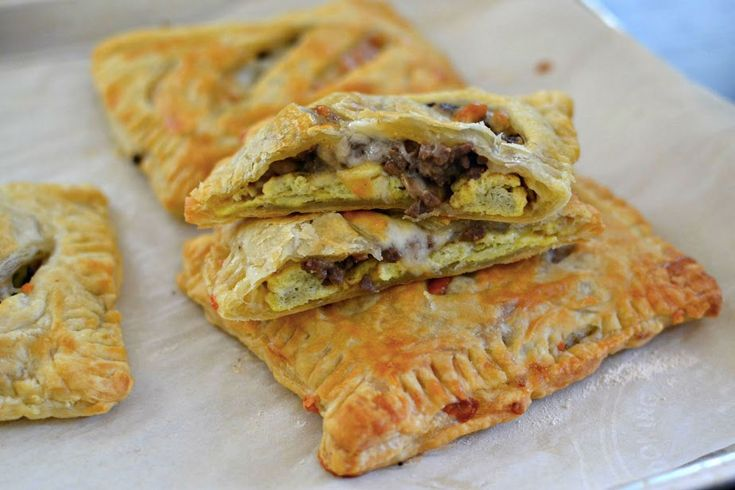 Beefy, Cheesy Breakfast Pockets Are The Perfect Breakfast On-The-Go