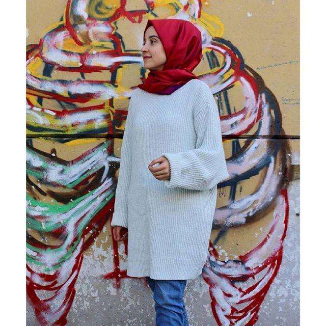 Bu kadar tatlı salaş bir kazak olabilir mi☺ Profilimizdeki linke hemen  tıkla ve incele! Butikgez.com dan da 5960 koduyla aratıp bulabilirsin #rabiacaa #hijab #tesettür #kazak