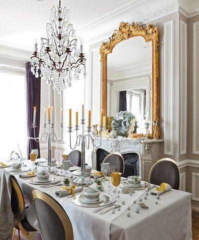 Table classique et elegante #livingroom #lustre