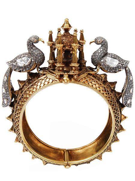 Amrapeli gold and diamond bracelet