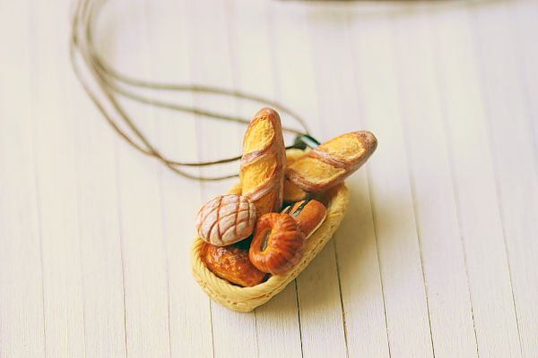 cute necklace for a little girl-french breadbasketFriday Fashion, Breads Necklaces, Fashion Photos, Girls French Breadbasket, Funky Fashion, French Breads, Breads Baskets, 35 Photos, Fashion 35