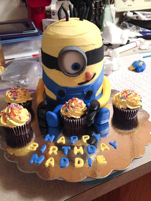 BEYOND THE OVEN: MAKING A MINION CAKE - Blahnik Baker